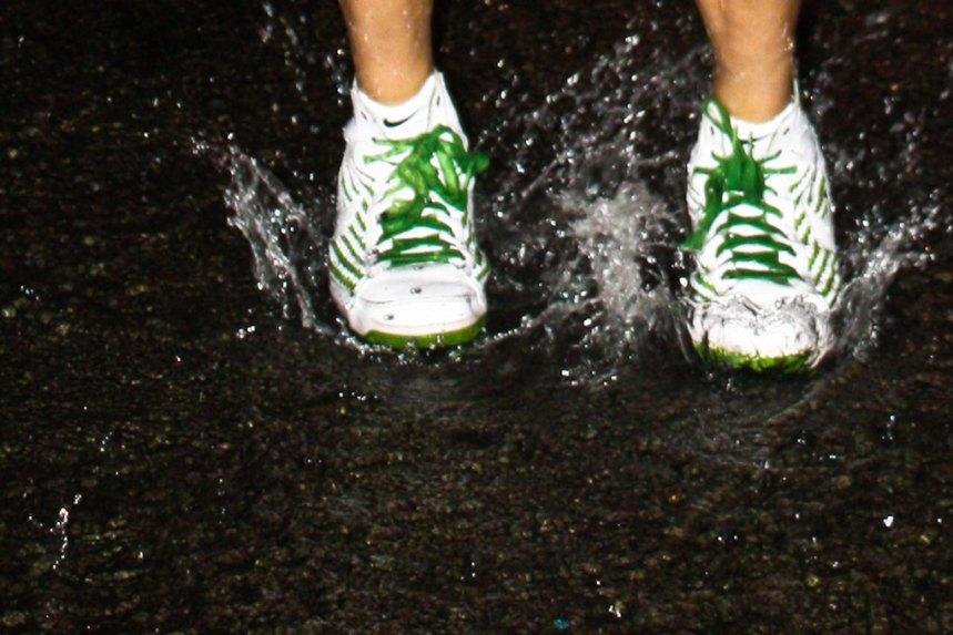 spitting fountains in Millennium Park