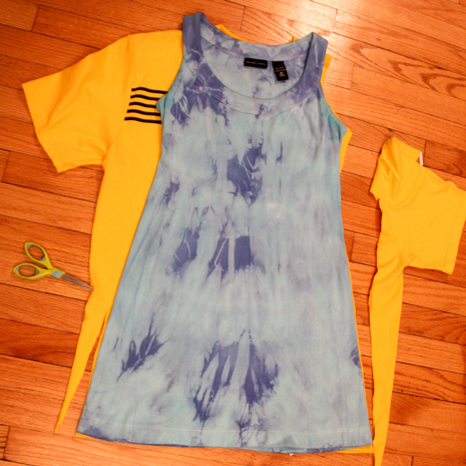 a7fe5492de8 DIY- men s T-Shirt into a women s tank dress