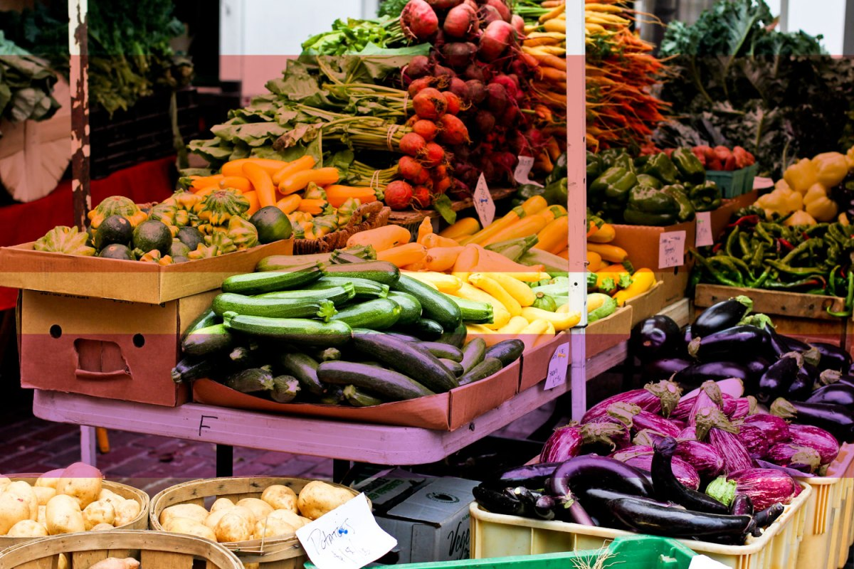 what to wear to a farmers' market