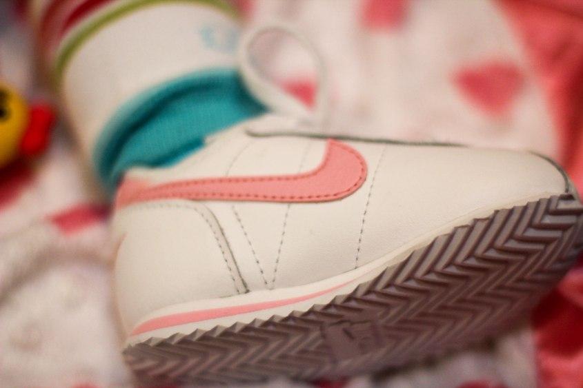baby sneaker head