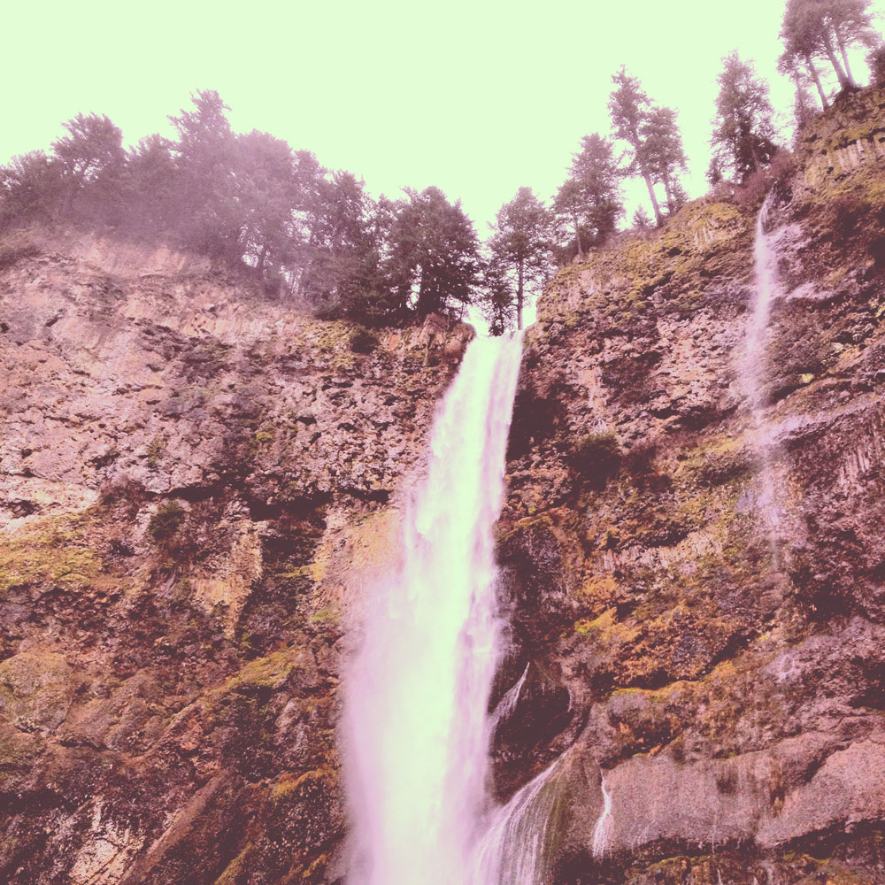 waterfalls in Oregon and Nike