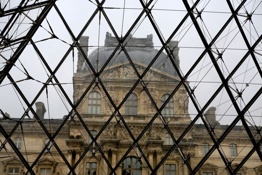 The Louvre / for the love of nike