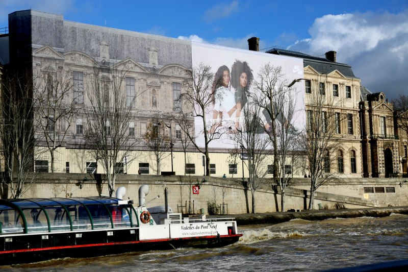 Nike Ad in Paris / for the love of nike